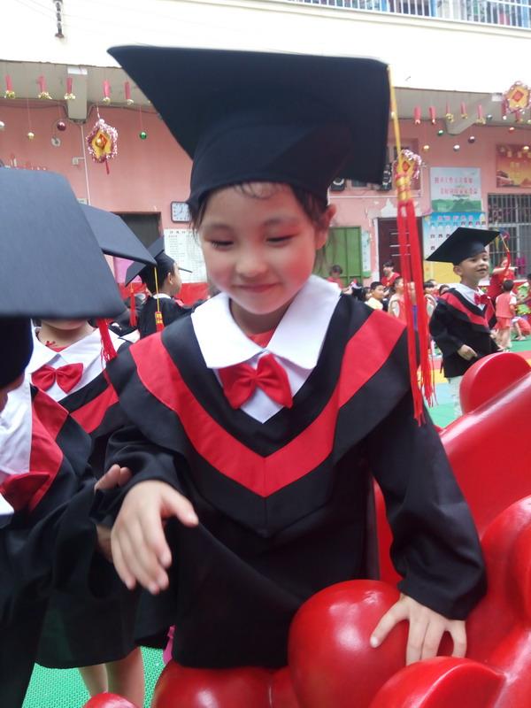 宝贝太阳岛幼儿园毕业照之六